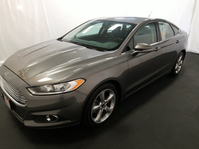 2014 Ford Fusion SE With Very Low Miles